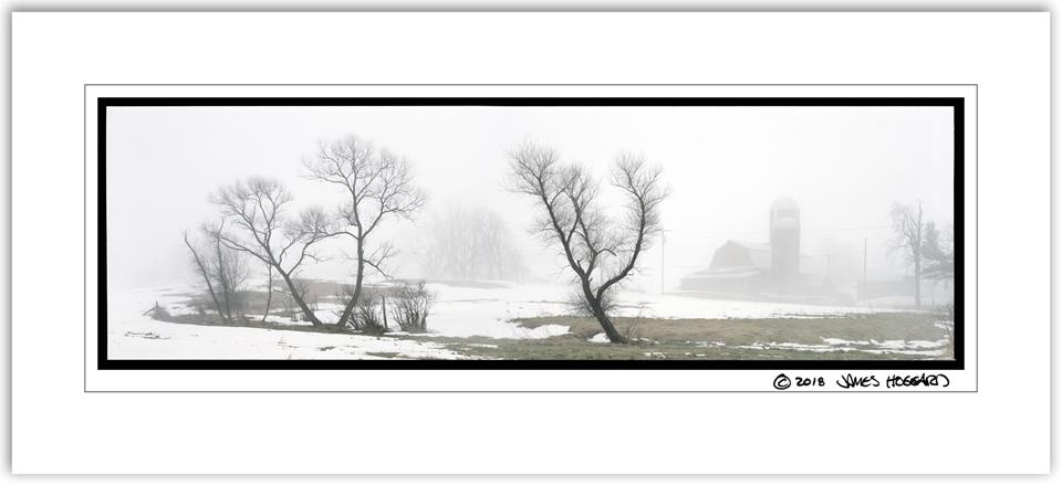 Farm-on-Hall-Road-in-Fog