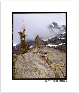 Donner Peak, Storm, Crack